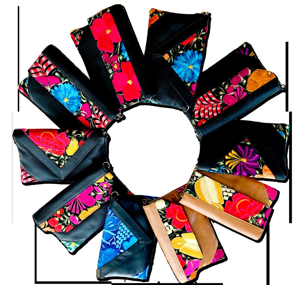 花柄刺繍の本牛革クラッチバッグ